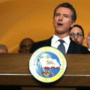 California Governor Issues Executive Order Against Vaping 'Crisis'