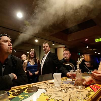 Marijuana lounges could come to Oregon