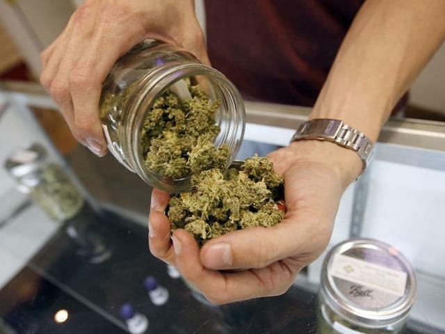 Merry marijuana: Colorado pot retailers scramble to woo holiday shoppers